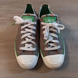 Converse All-star tennis shoes